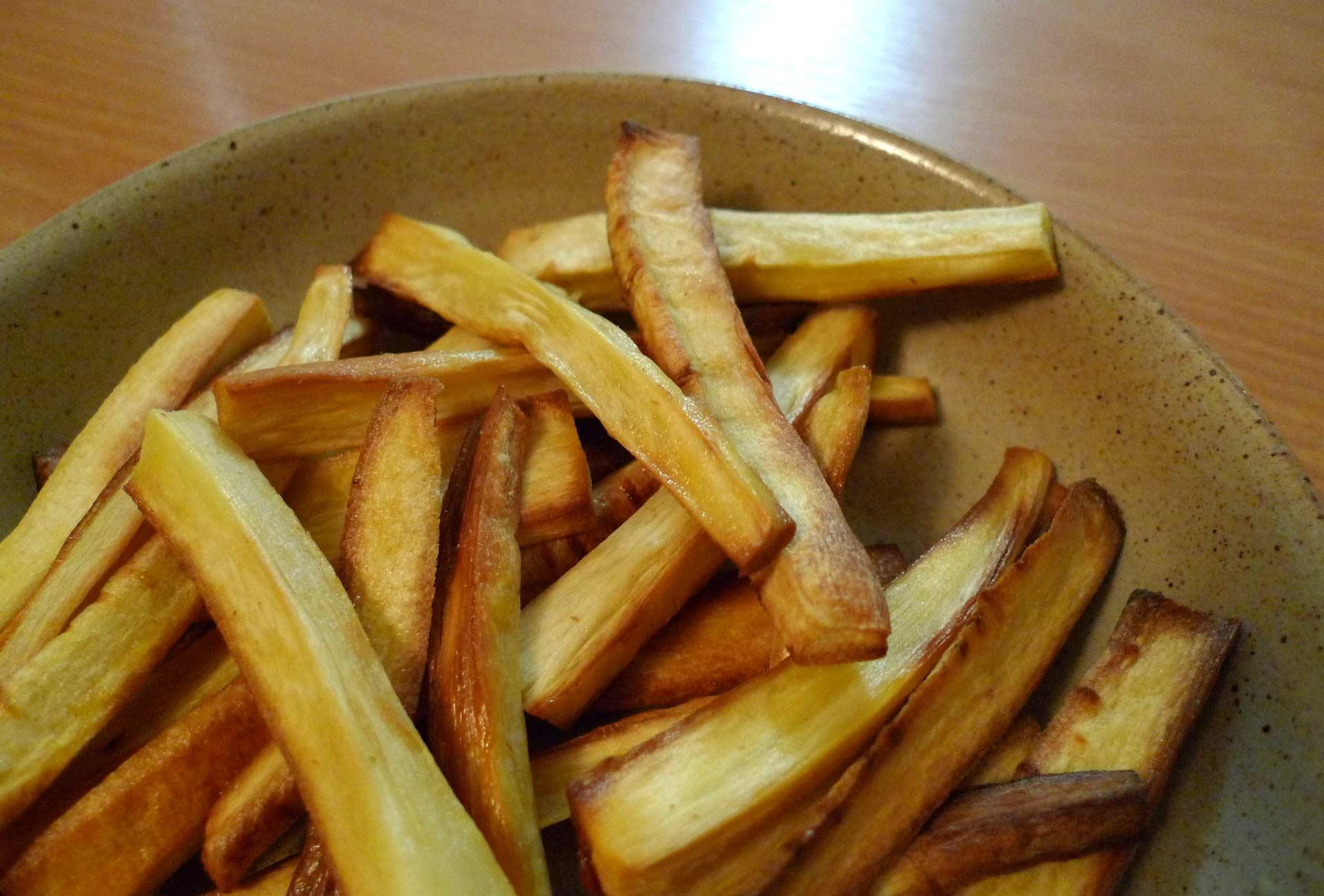 Frites de panais : recette facile et rapide au four